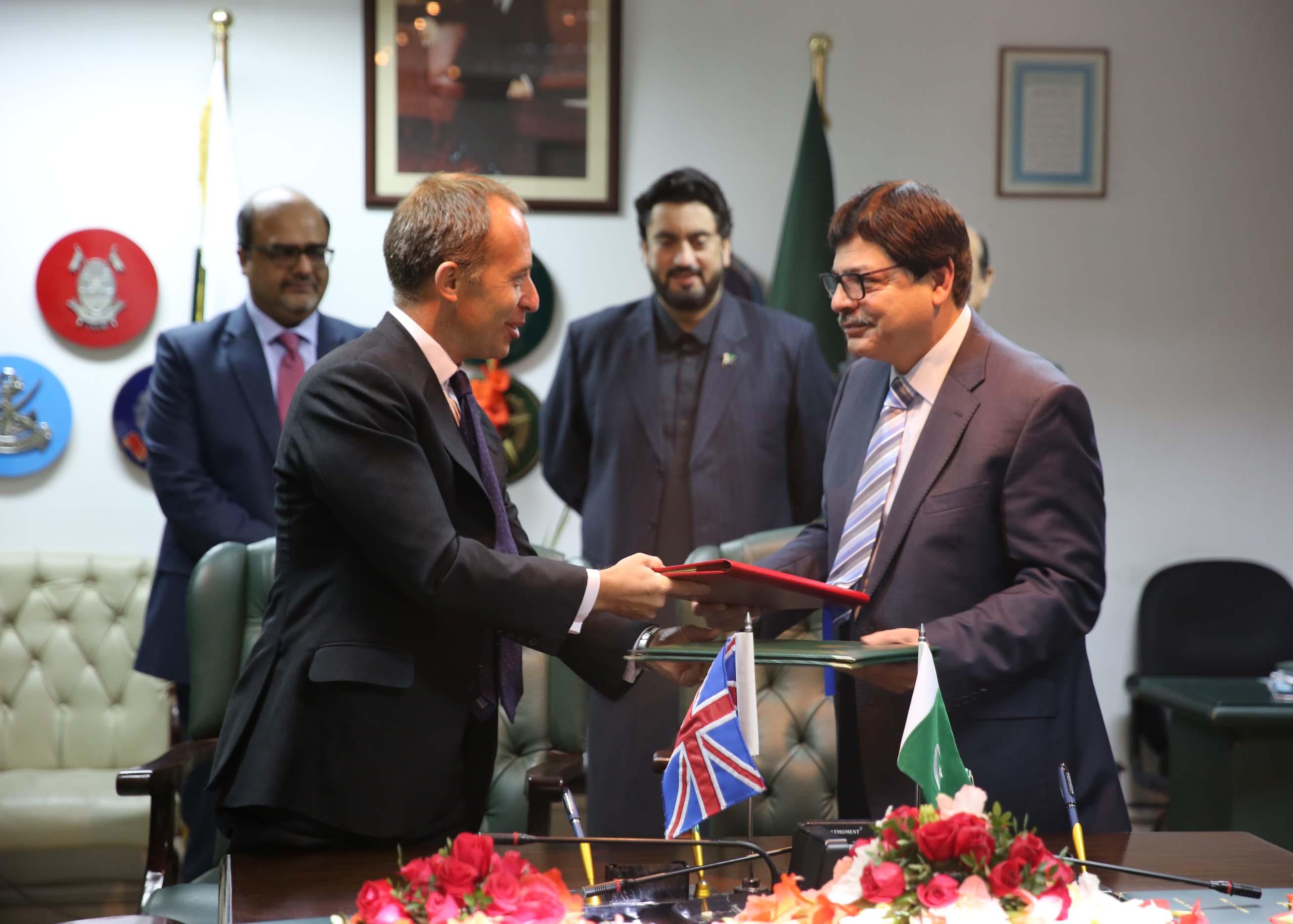UK, Pakistan sign prisoner transfer agreement